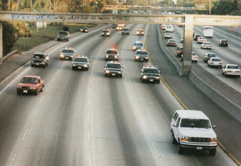 LFE-356_OJ-Simpson-pursued-by-LA-cops_crop_exact